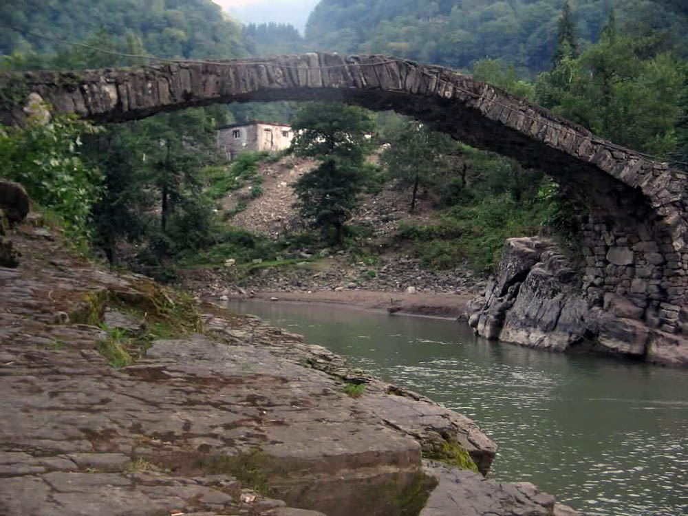каменные мосты в Батуми, Грузия
