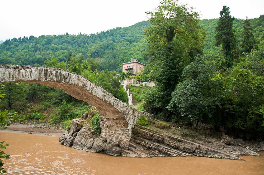 каменные мосты в Батуми