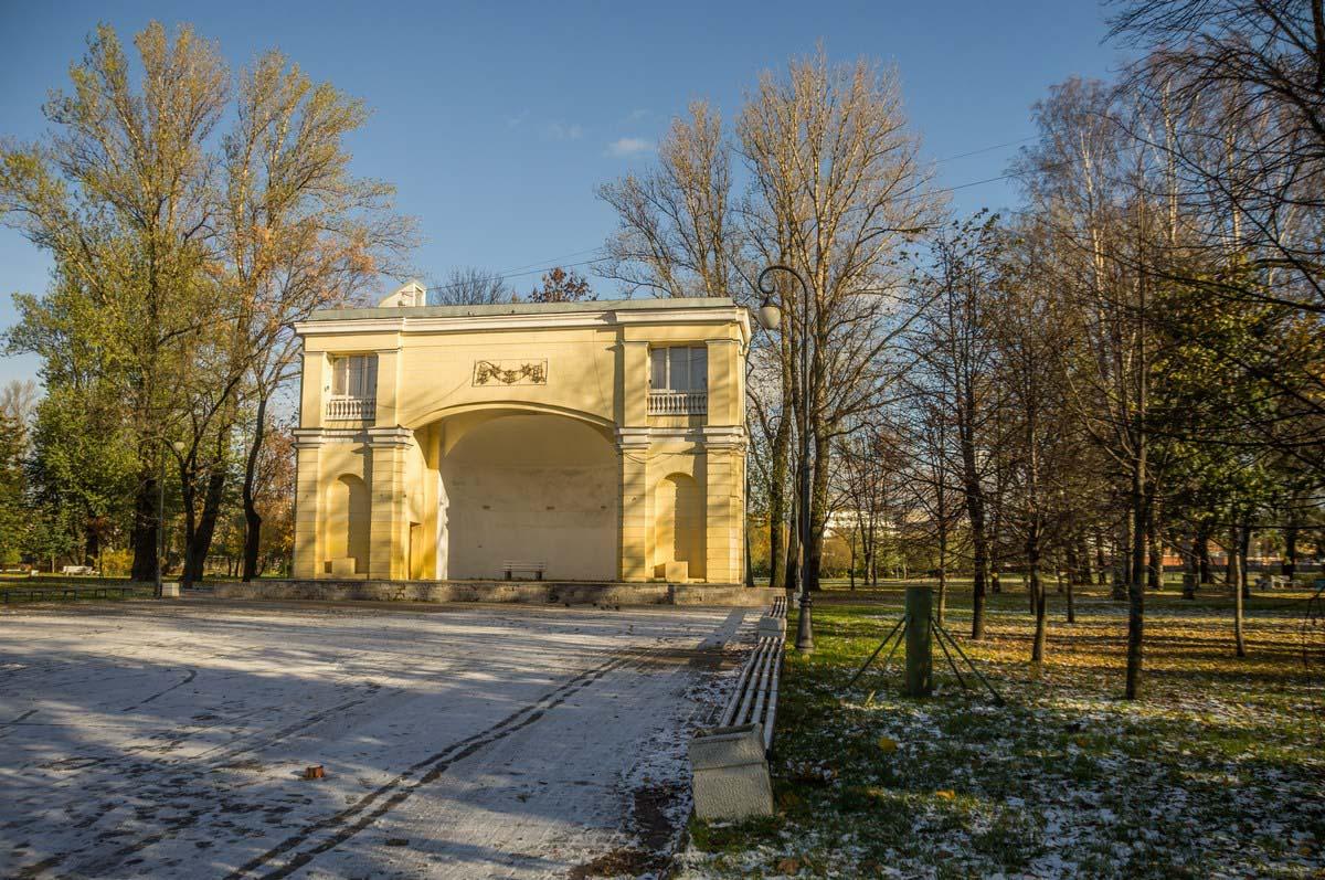 летняя эстрада в парке имени 9 января, Санкт-Петербург
