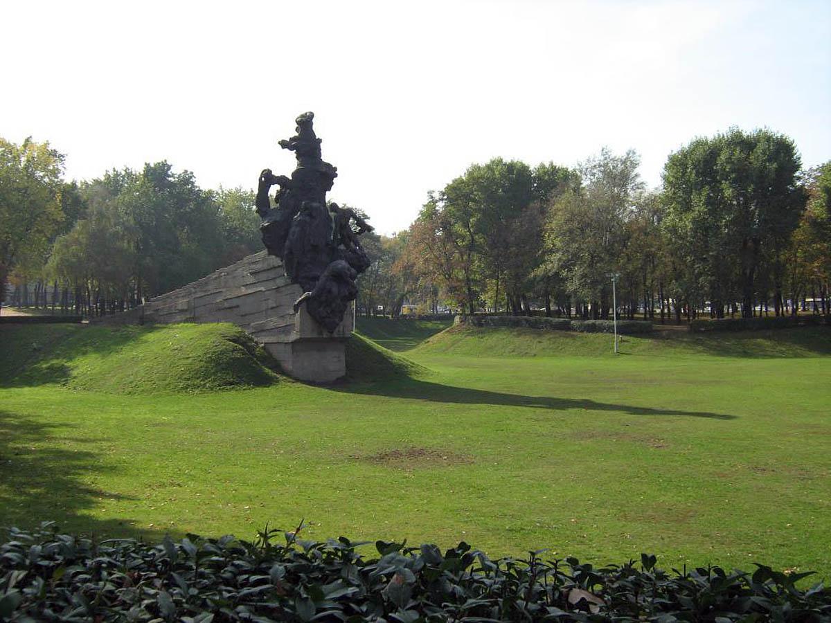 памятник расстрелянным в Бабьем Яру, Киев