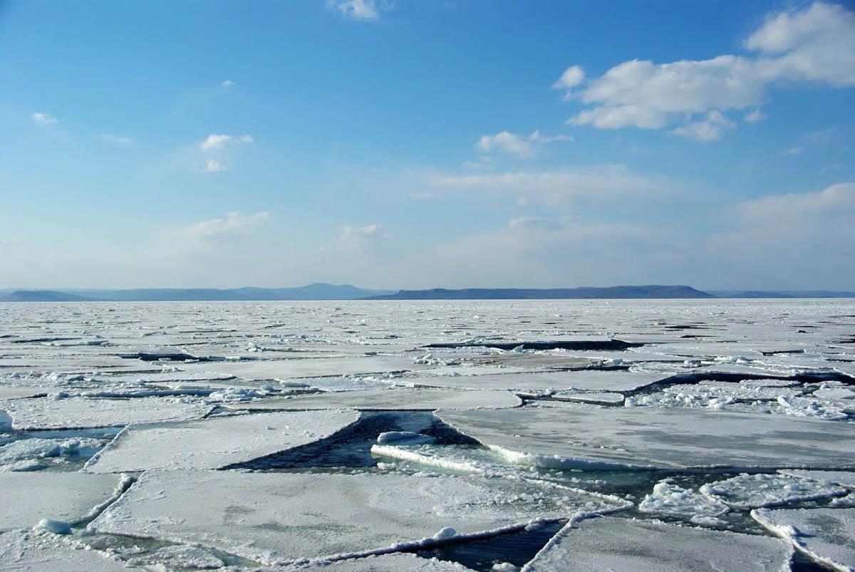 Амурский залив зимой, Владивосток