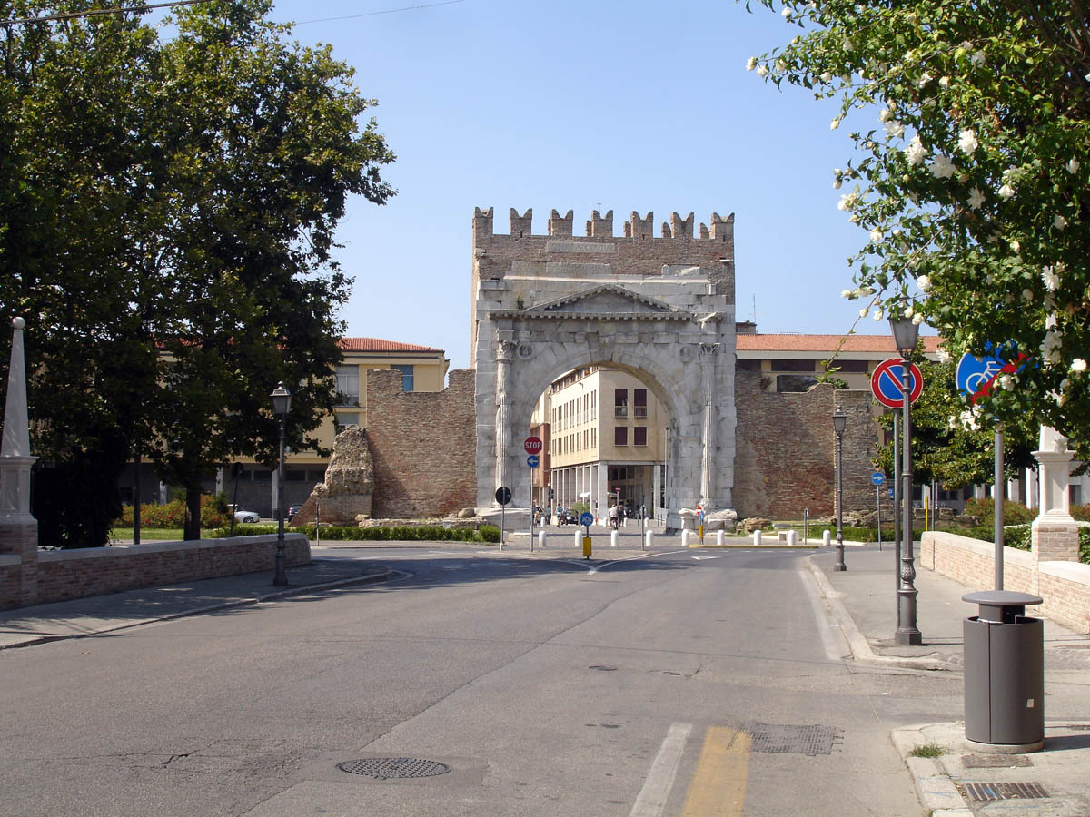 Arco d`Augusto