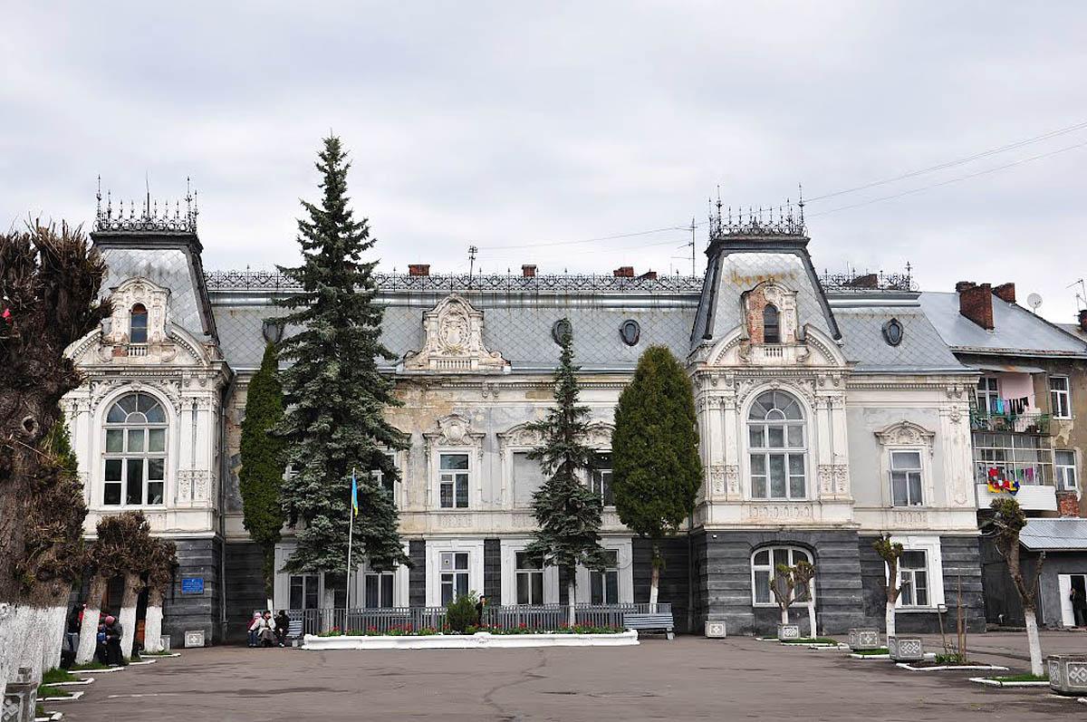 дворец Семенских, Львов