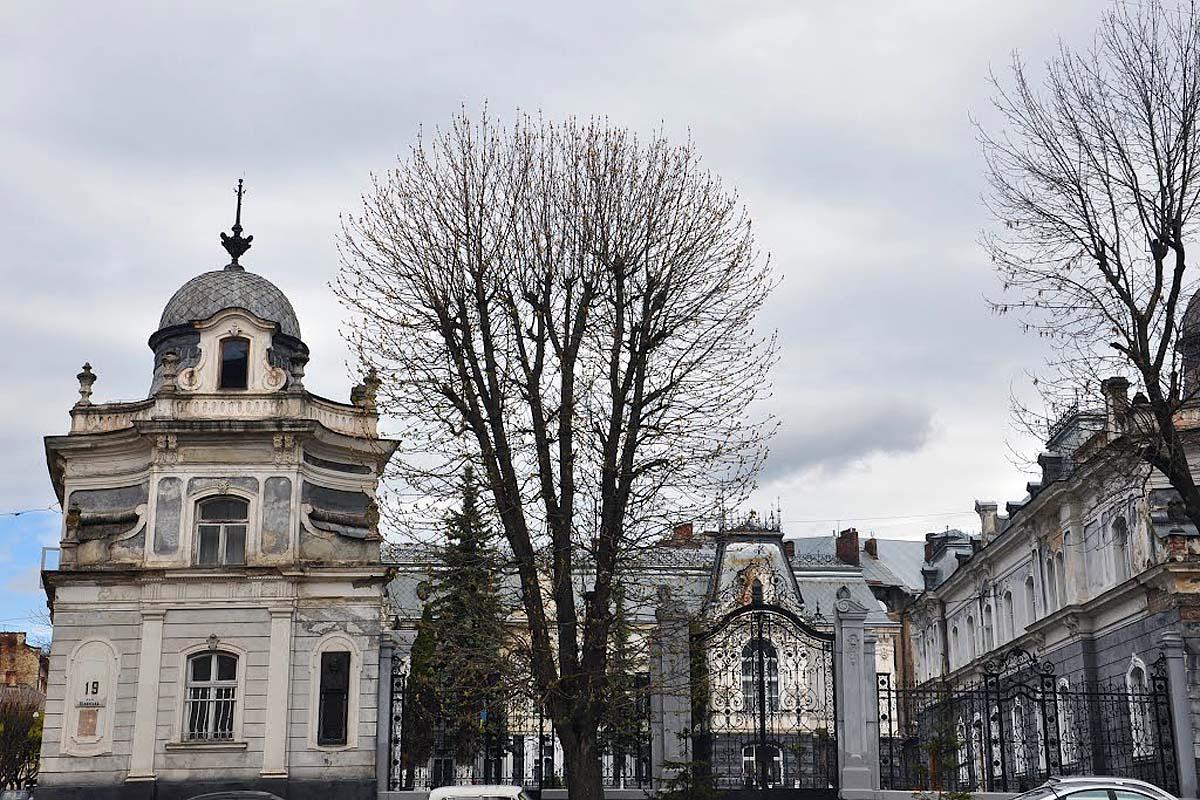 дворец Семенских во Львове