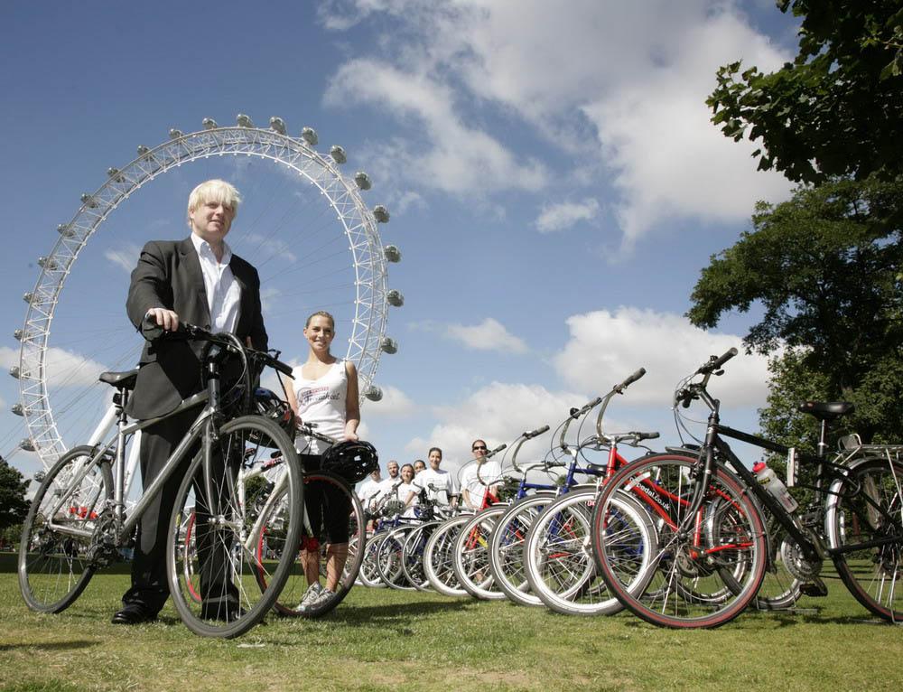 мэр Лондона на велосипеде