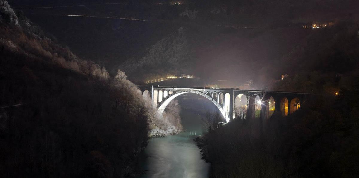 мост Солкан ночью