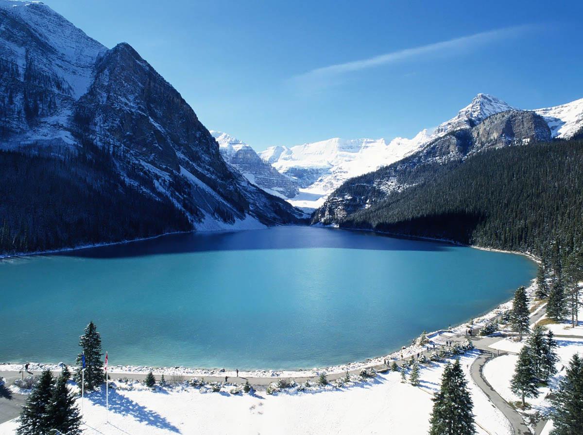 озеро Луиза зимой