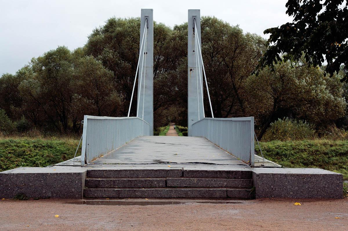 вход в Полежаевский парк с Петергофского шоссе