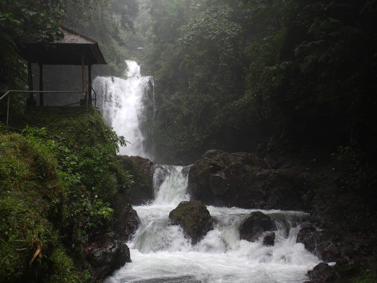 водопад Секумпул, Бали, Индонезия