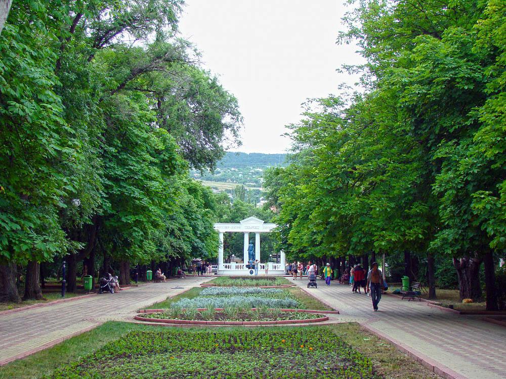 памятник Доброму Гению, Феодосия