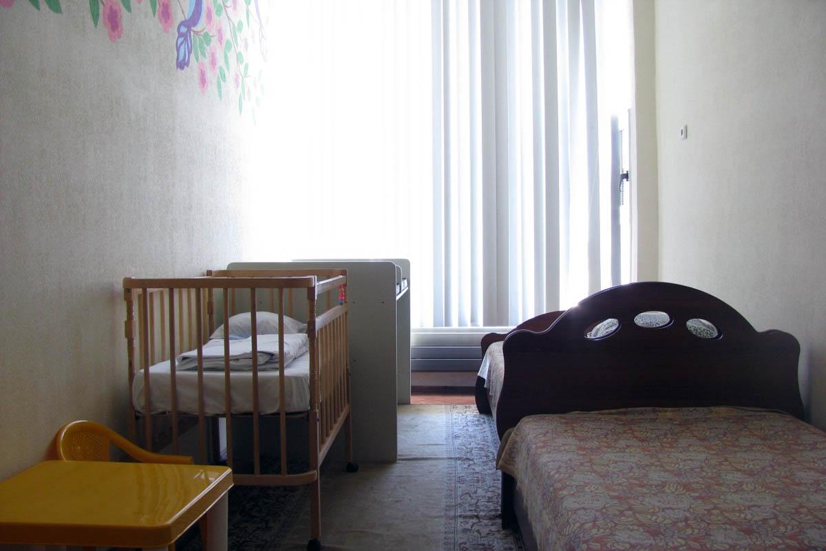 Прокрался в спальню к мамашке 23 фотография