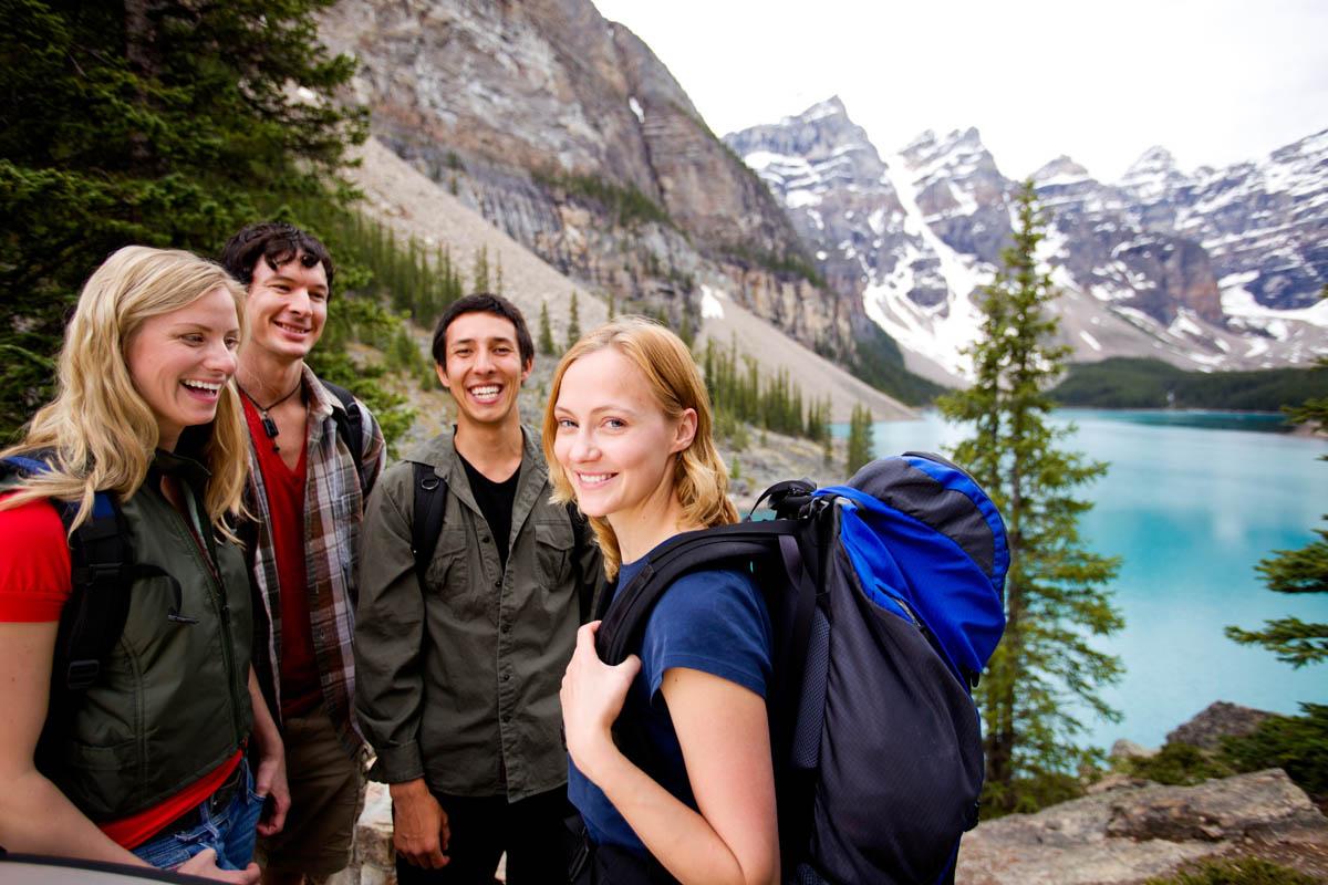 Студенты в палатке 11 фотография