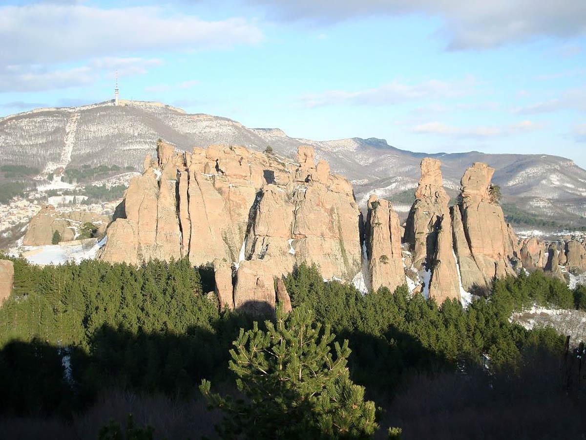 вид на Белоградчикские скалы