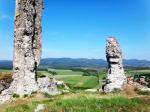 развалины крепости на Бёржёни