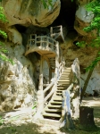 вход в пещеру в скале Кхао Кханаб, Тайланд