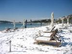 пляж Вулиагмени зимой
