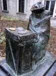памятник Рабиновичу