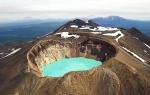 вулкан Малый Семячик и Троицкое озеро