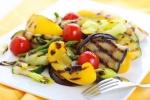 Походный салат из овощей-гриль на костре
