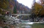 мост над водопадом Пробий