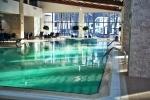 бассейн в парк-отеле Дракино