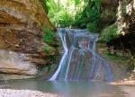 водопад возле отеля Ассоль