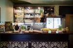 эко-ресторан Ежи, проростки пшеницы на барной стойке