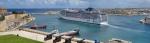 вид на гавань Гранд-Харбор и волнорез