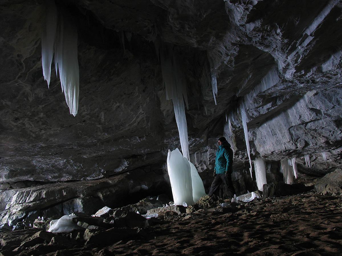 Азасская пещера возле Шерегеша: уникальная обитель Йети и ее необычности (ч.1/3)