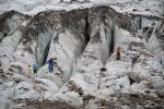 трещины в Алибекском леднике