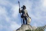 статуя рыцаря на Синтре